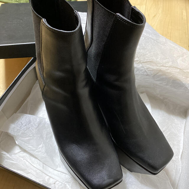 EMODA(エモダ)のEMODA レディースの靴/シューズ(ブーツ)の商品写真