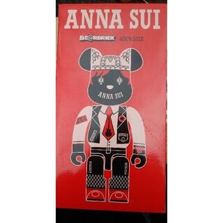 メディコムトイ(MEDICOM TOY)のBE@RBRICK ANNA SUI RED&BEIGE 400%(キャラクターグッズ)