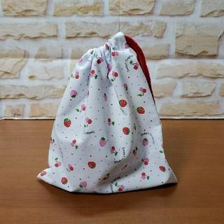 乾きがはやい いちごのコップ袋 巾着袋 《ハンドメイド》(外出用品)
