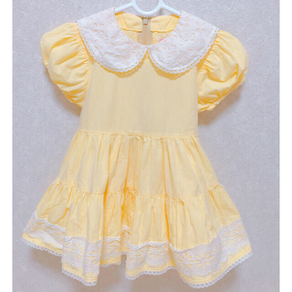 シャーリーテンプル(Shirley Temple)のシャーリーテンプル80 黄色レース丸襟お花ワンピースパフスリーブ メゾピアノ (ワンピース)