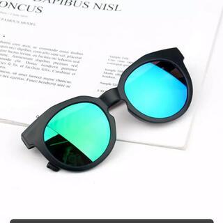 【新品】キッズ サングラス ミラーサングラス UV対策(サングラス)