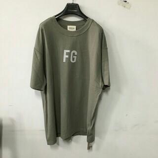 フィアオブゴッド(FEAR OF GOD)の新品タグ付きFEAR OF GOD FG' Logo Tシャツ/サイズM(Tシャツ/カットソー(半袖/袖なし))