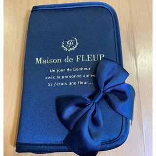 メゾンドフルール(Maison de FLEUR)のMaison de FLEUR パスポートケース(その他)