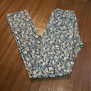 オリーブデオリーブ(OLIVEdesOLIVE)の値下げしました レディース 花柄 パンツ(カジュアルパンツ)