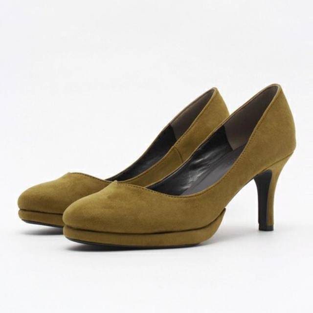 BLISS POINT(ブリスポイント)のスウェード イエロー パンプス レディースの靴/シューズ(ハイヒール/パンプス)の商品写真