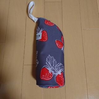 カルディ(KALDI)のカルディ いちごバッグ ペットボトルケースのみ(日用品/生活雑貨)