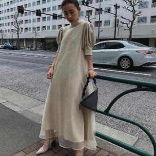 アメリヴィンテージ(Ameri VINTAGE)の新品タグ付 FLUFFY MACARON DRESS 白 S アメリ(ロングワンピース/マキシワンピース)