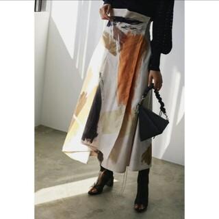 アメリヴィンテージ(Ameri VINTAGE)の新品タグ付 LOUISE ART SKIRT S アメリ(ロングスカート)