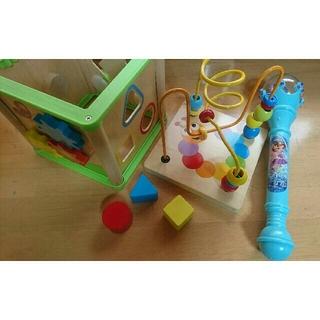 ニシマツヤ(西松屋)の子供玩具(3才以上) あそぼっくす+マジックトリップ(知育玩具)