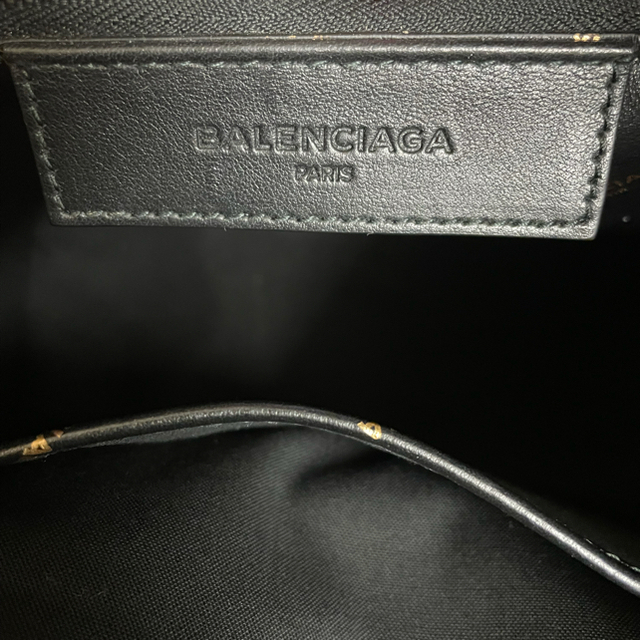 Balenciaga(バレンシアガ)の新品未使用❣️正規Balenciag LOGOトートバックショルダー付き メンズのバッグ(トートバッグ)の商品写真