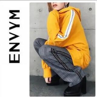 ENVYM - アンビーイエローラインパーカー
