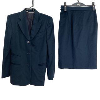 グッチ(Gucci)のグッチ スカートスーツ サイズ42 M美品  -(スーツ)