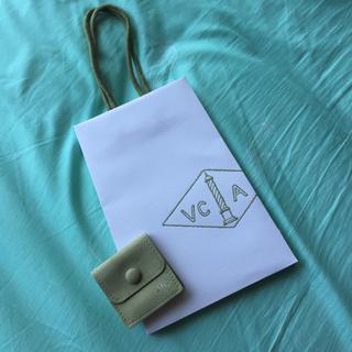ヴァンクリーフアンドアーペル(Van Cleef & Arpels)のジュエリーポーチ➕紙袋セット(ショップ袋)
