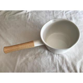 フジホーロー(富士ホーロー)の片手鍋 琺瑯 天然木 ホワイト(鍋/フライパン)