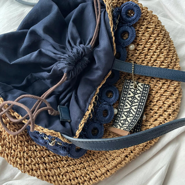 Kastane(カスタネ)のパール付きカゴバッグ レディースのバッグ(かごバッグ/ストローバッグ)の商品写真