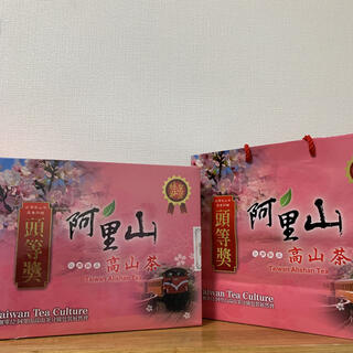 【GW期間限定値下げ】★台湾茶★阿里山高山茶 ギフトボックス(紙袋付き)(茶)