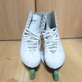 シーシーエム(CCM)のフィギュアスケート靴 CCM  Pirouette 38 (24cm)(ウインタースポーツ)