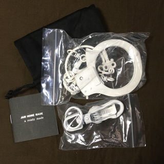 ジャムホームメイドアンドレディメイド(JAM HOME MADE & ready made)のJAM HOME MADE 手錠 ホワイト (長財布)