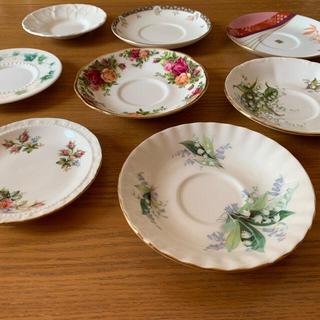 ロイヤルアルバート(ROYAL ALBERT)のロイヤルアルバート他、ソーサー7枚と小皿1枚(食器)