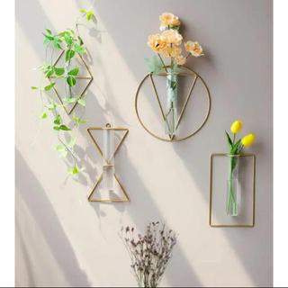 フランフラン(Francfranc)の【砂時計型】ワイヤーフラワーベース 壁掛け花瓶 シンプル 一輪挿し ドライフラワ(花瓶)