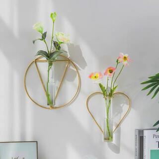 フランフラン(Francfranc)の【ハート型】ワイヤーフラワーベース 壁掛け花瓶 シンプル 新生活 春 ドライ(花瓶)
