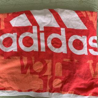 アディダス(adidas)のスイミング用タオル(マリン/スイミング)