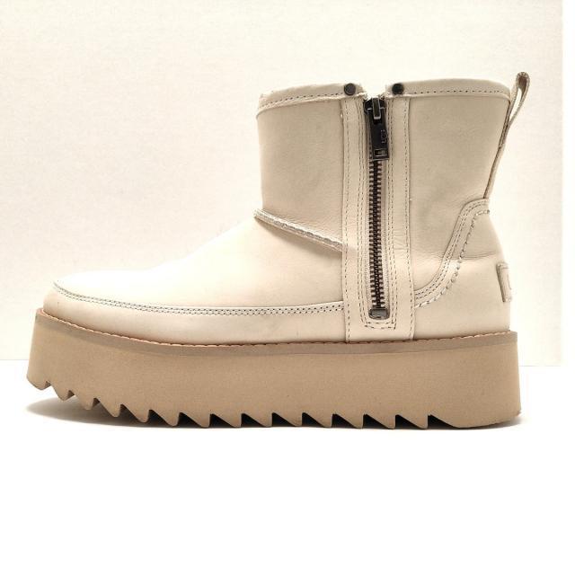 UGG(アグ)のUGG(アグ) ショートブーツ 24 レディース - レディースの靴/シューズ(ブーツ)の商品写真