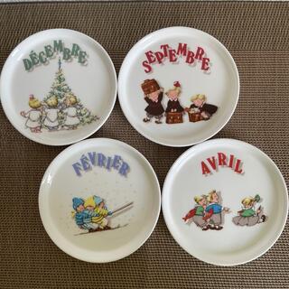 ニッコー(NIKKO)のLES TRIPLES 小皿(食器)