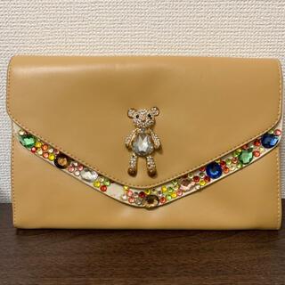 グレースコンチネンタル(GRACE CONTINENTAL)の定価2万円程 クマ ラインストーン クラッチバッグ(クラッチバッグ)