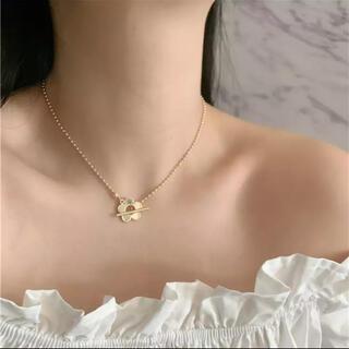 クロエ(Chloe)のフラワー ゴールド ネックレス(ネックレス)