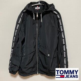 トミー(TOMMY)のトミージーンズ マウンテンパーカー 黒(ナイロンジャケット)