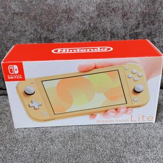 ニンテンドースイッチ(Nintendo Switch)のSwitch Lite 任天堂 スイッチ ライト 本体  ニンテンドウ イエロー(携帯用ゲーム機本体)