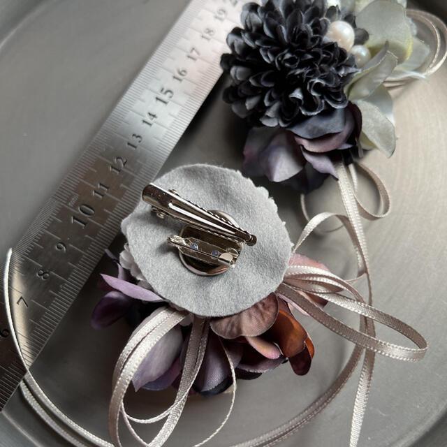 toytoy663 小さめサイズ コサージュ 【ダークグレー】入学式 結婚式 ハンドメイドのアクセサリー(コサージュ/ブローチ)の商品写真