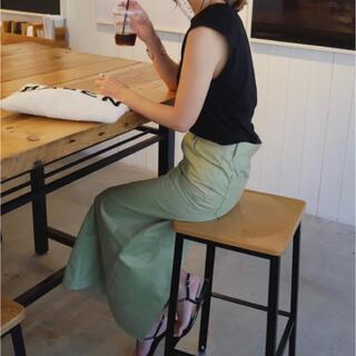 スタニングルアー(STUNNING LURE)のSTUNNING LURE リモデルタイトスカート 新品未使用 ライトカーキ(ロングスカート)