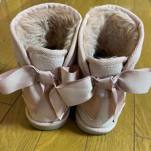 GU(ジーユー)のムートンタッチブーツ(リボン) レディースの靴/シューズ(ブーツ)の商品写真