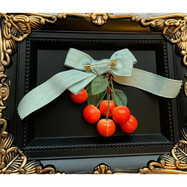 Q-pot.(キューポット)のTommy fell in love with sweets! ブローチ ハンドメイドのアクセサリー(コサージュ/ブローチ)の商品写真