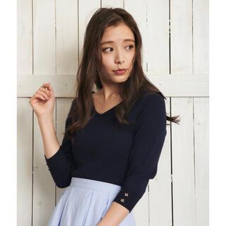 ノエラ(Noela)のNoela Vカラーニット ¥9,350 ネイビー タグ付き新品(ニット/セーター)