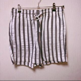 H&M - ほぼ未使用!H&M ストライプ ショートパンツ ショート丈パンツ