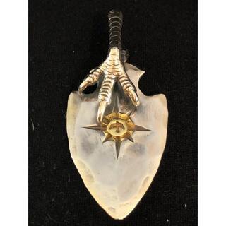 ゴローズ(goro's)の送料無料 大特価 ゴローズ 銀爪付き 8本彫り ヤジリ(ネックレス)