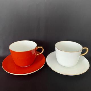 オオクラトウエン(大倉陶園)の大倉陶園 紅白 色蒔き カップ&ソーサー(グラス/カップ)
