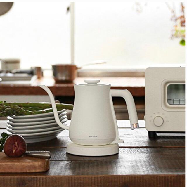 BALMUDA(バルミューダ)のBALMUDA 電気ケトル The Pot K02A-WH ホワイト スマホ/家電/カメラの生活家電(電気ケトル)の商品写真