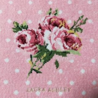 ローラアシュレイ(LAURA ASHLEY)の新品/美品《LAURA ASHLEY》シェニール織 ハンカチ(ハンカチ)