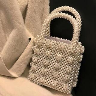 ザラ(ZARA)の巾着付きパールハンドバッグ (ハンドバッグ)