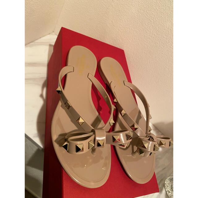 VALENTINO(ヴァレンティノ)の新品未使用ヴァレンティノ トングサンダル レディースの靴/シューズ(ビーチサンダル)の商品写真