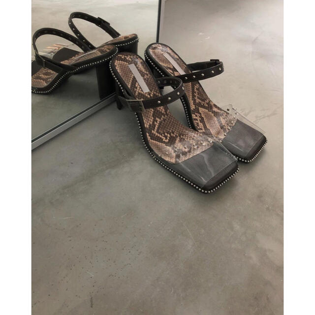 Ameri VINTAGE(アメリヴィンテージ)のAmeri CLEAR STUDS MULE スタッズクリアミュール レディースの靴/シューズ(サンダル)の商品写真