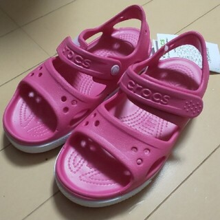 クロックス(crocs)のcrocs サンダル 16.5 ピンク(サンダル)