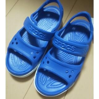 クロックス(crocs)のcrocs サンダル 16.5 ブルー(サンダル)