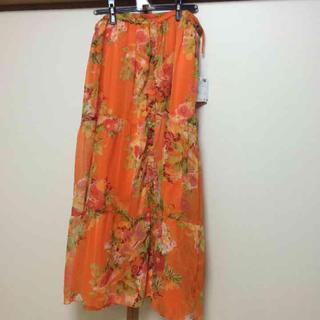 オレンジ花柄ロングスカート大きいサイズ(ロングスカート)