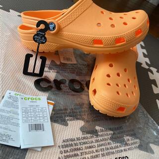 crocs - 【クロックス】新品未使用 クラシッククロックス オレンジ