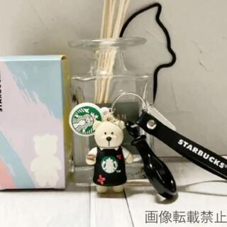 スターバックスコーヒー(Starbucks Coffee)の【即購入大歓迎】海外スタバ ベアリスタ キーホルダー 花×黒エプロン ストラップ(キーホルダー)